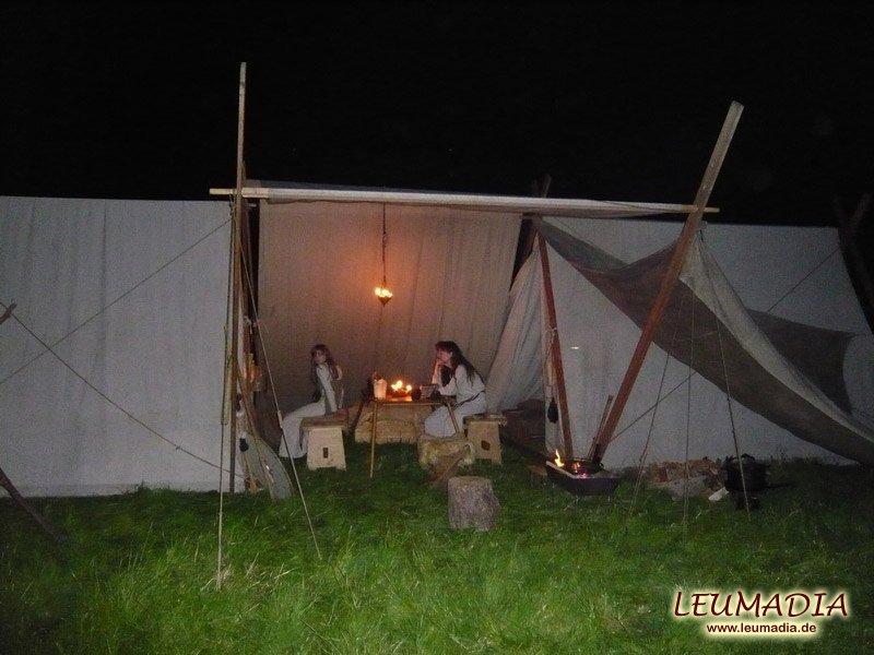 Unser Lager bei Nacht