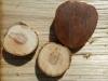 geschnitzte Holzknöpfe
